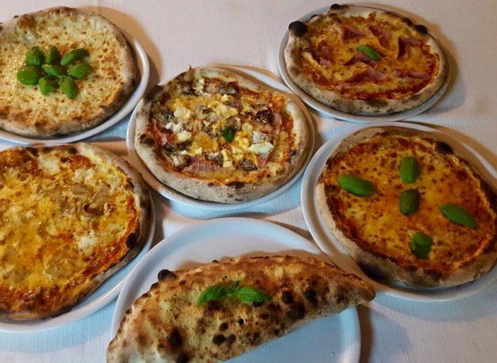 sizilianische pizza pool in fontane bianche hotel direkt am meer, in sizilien bei syrakus, sizilien urlaub