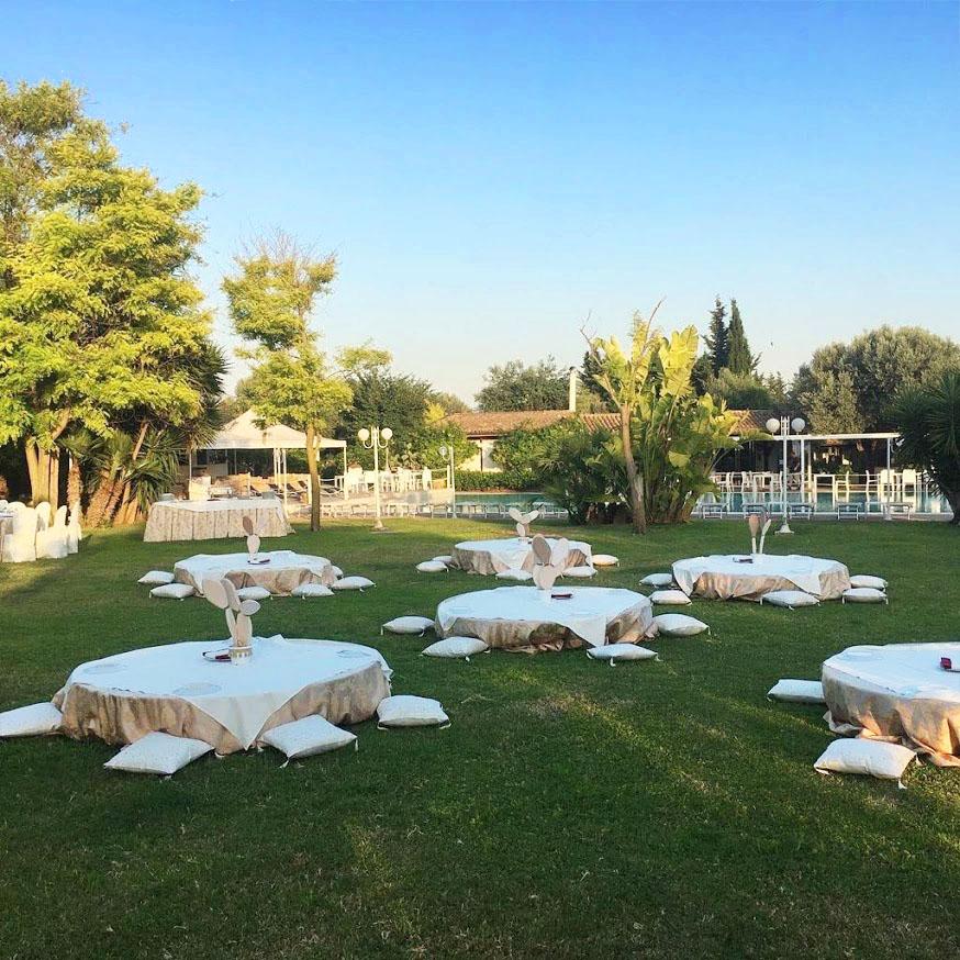 liegewiese in fontane bianche hotel direkt am meer, in sizilien bei syrakus, sizilien urlaub